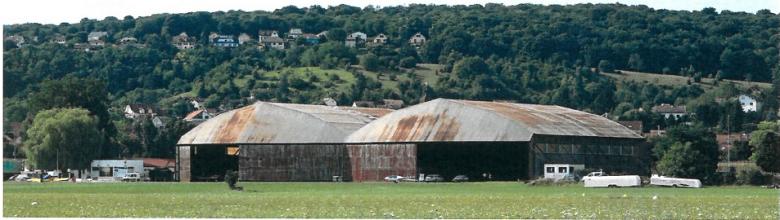 Ouverture travaux hangars aérodrome